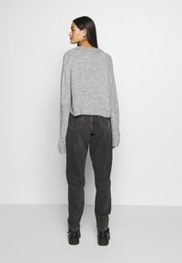 Topshop - SEOUL RIP MOM - Relaxed fit jeans - black - 2
