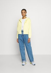 Topshop - DART PARELLEL - Jeansy Straight Leg - mid blue - 1