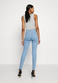 Topshop - JONI  - Jeans Skinny Fit - bleached denim - 2