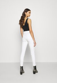Topshop - JAMIE  - Jeansy Skinny Fit - offwhite - 2
