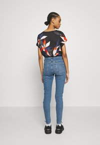 Topshop - SUPER RIP JAMIE - Jeansy Skinny Fit - blue denim - 2