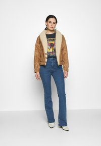 Topshop - ZED JONI - Flared Jeans - blue denim - 1