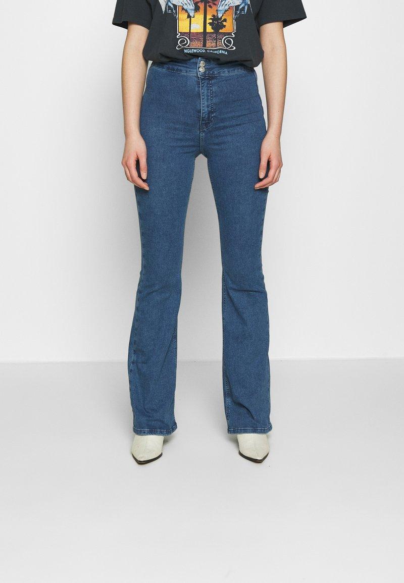 Topshop - ZED JONI - Flared Jeans - blue denim
