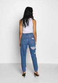 Topshop - MIAMI VICE MOM - Jeansy Relaxed Fit - blue denim - 2