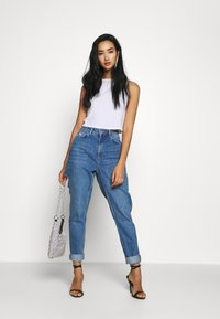 Topshop - MIAMI VICE MOM - Jeansy Relaxed Fit - blue denim - 1