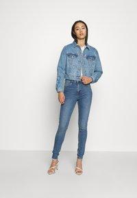 Topshop - ABRAIDED JAMIE - Jeans Skinny Fit - blue denim - 1