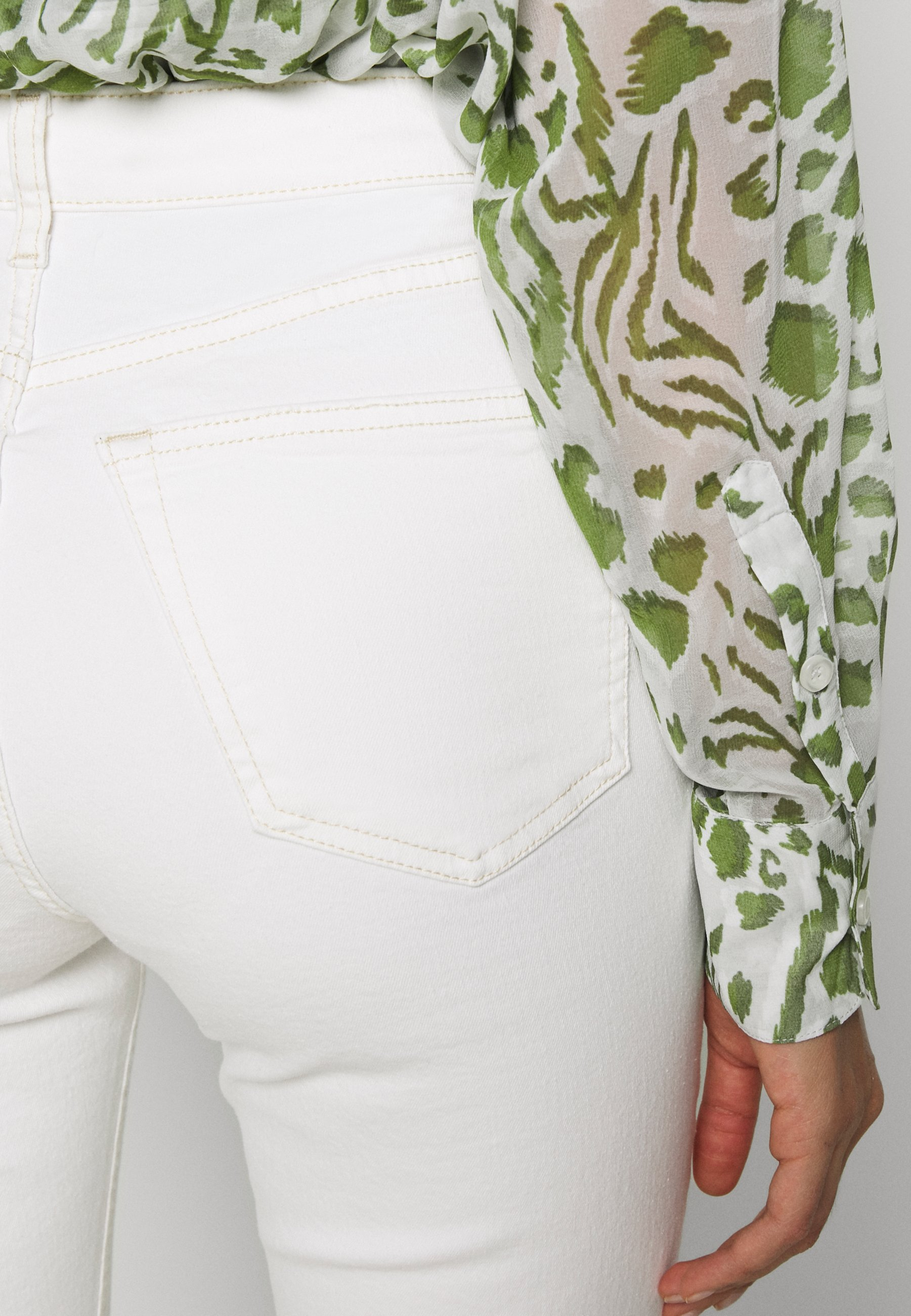 Topshop THIGH RIP JAMIE  - Jeansy Skinny Fit - white