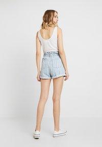 Topshop - STRIPE PAPERBAG - Shorts di jeans - blue denim - 2