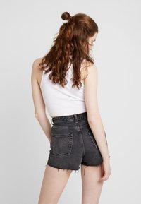 Topshop - MOM - Jeans Short / cowboy shorts - black - 2