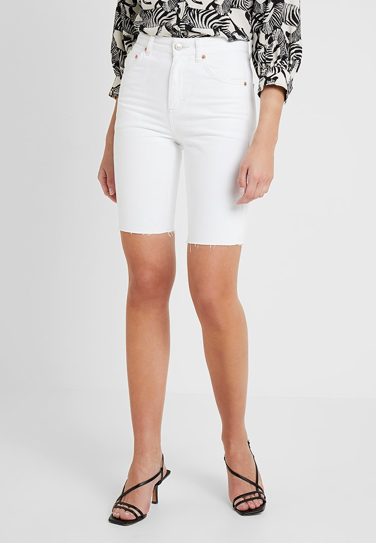Topshop - RIGID CYCLE - Jeans Short / cowboy shorts - white