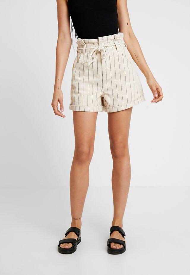 STRIPE ROPE SHORT - Shorts vaqueros - ecru