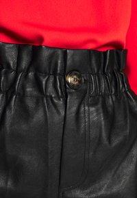 Topshop - PAPERBAG - Shorts - black - 4