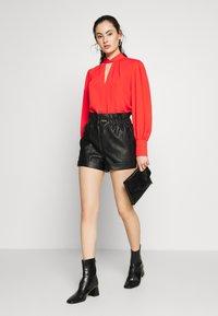 Topshop - PAPERBAG - Shorts - black - 1