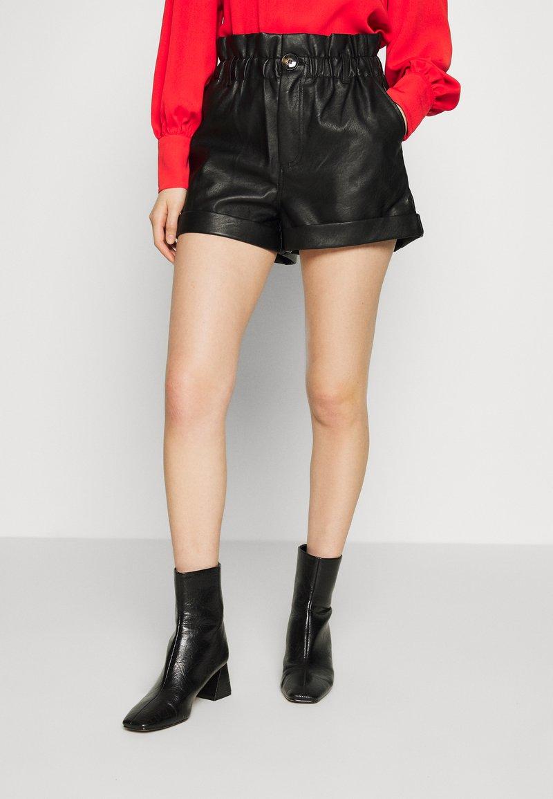 Topshop - PAPERBAG - Shorts - black