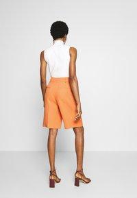Topshop - CLEAN SHORT - Shorts - apricot - 2