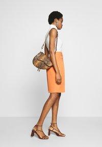 Topshop - CLEAN SHORT - Shorts - apricot - 3