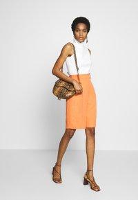 Topshop - CLEAN SHORT - Shorts - apricot - 1