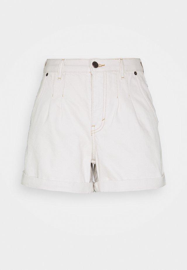 BALLOON - Shorts vaqueros - white