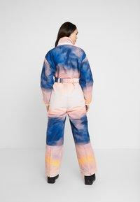 Topshop - SNO PRINTED AIO - Tuta jumpsuit - pink/yellow - 3