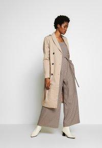 Topshop - MINI CHECK JINGLE - Tuta jumpsuit - brown - 1
