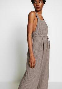 Topshop - MINI CHECK JINGLE - Tuta jumpsuit - brown - 3