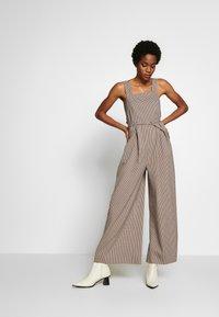 Topshop - MINI CHECK JINGLE - Tuta jumpsuit - brown - 0