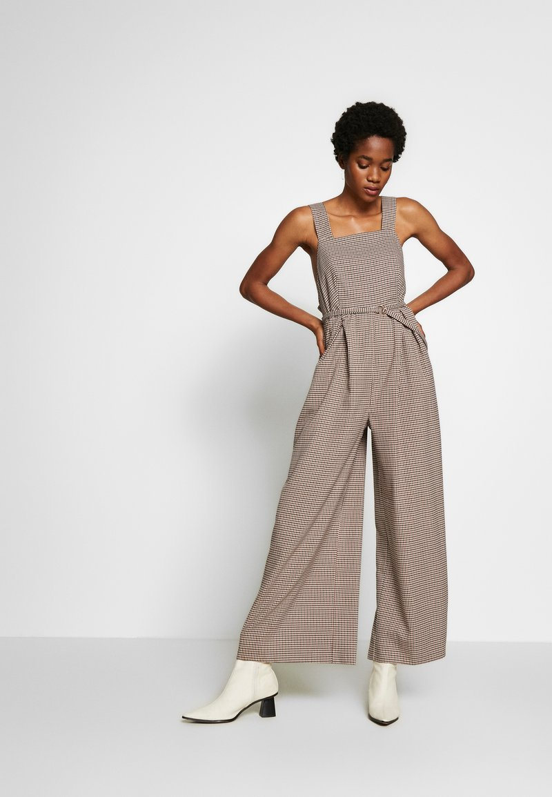 Topshop - MINI CHECK JINGLE - Tuta jumpsuit - brown