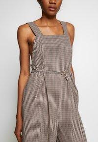 Topshop - MINI CHECK JINGLE - Tuta jumpsuit - brown - 5