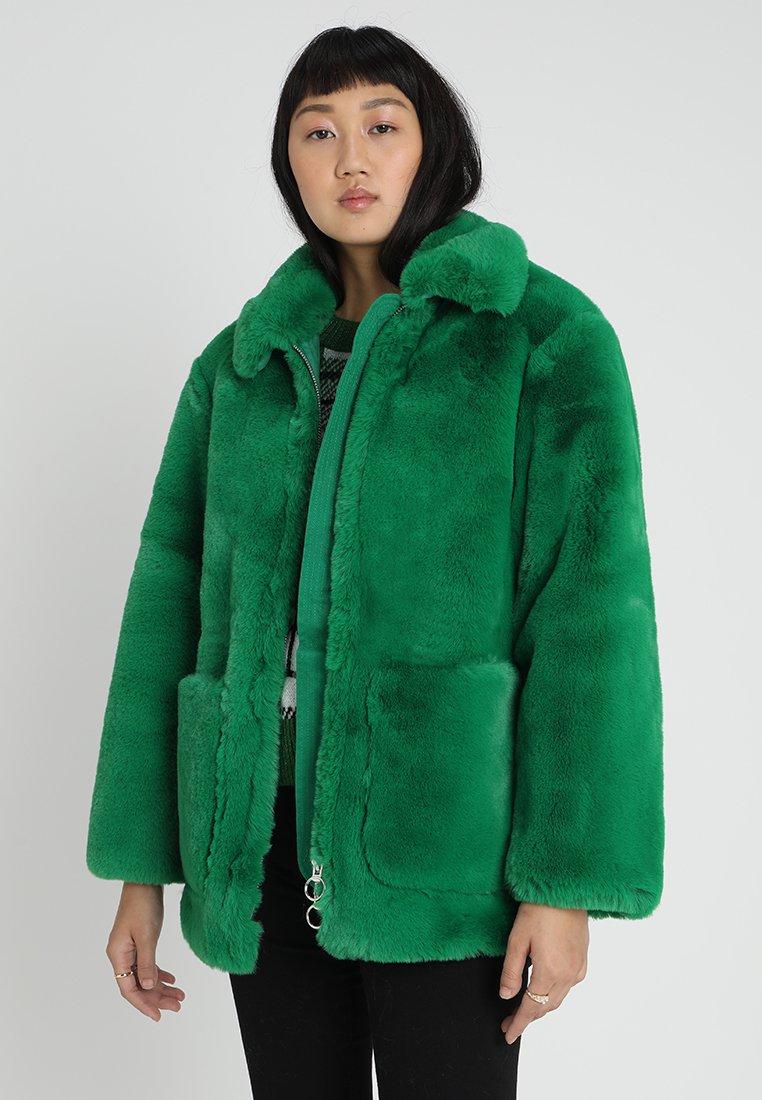 Topshop - BUCK - Chaqueta de invierno - green