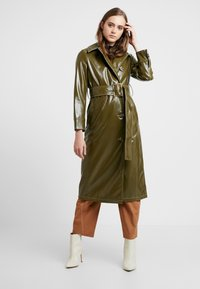 Topshop - CONTRAST STITCH - Trench - olive - 0