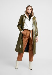 Topshop - CONTRAST STITCH - Trench - olive - 1