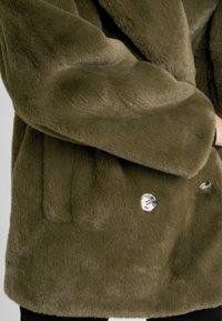 Topshop - ALLY - Zimní kabát - khaki - 5