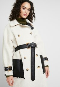 Topshop - ROXY REVERSIBLE TRENCH - Prochowiec - cream - 5