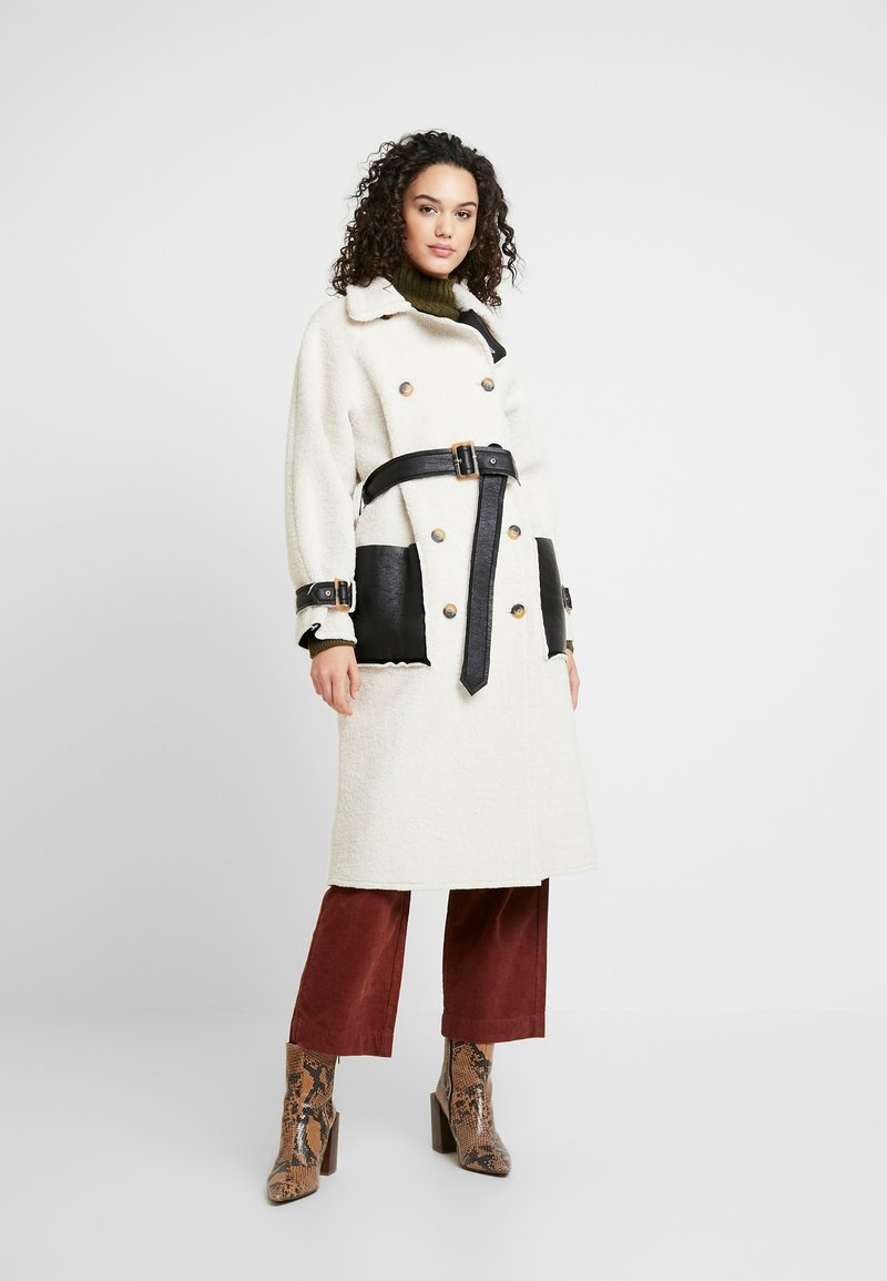 Topshop - ROXY REVERSIBLE TRENCH - Prochowiec - cream