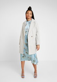 Topshop - CARLY CHUCK ON - Classic coat - pale grey - 1