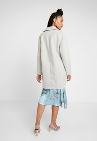 Topshop - CARLY CHUCK ON - Classic coat - pale grey - 2