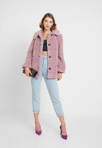 Topshop - BEEBEE BUTTON FRONT BORG - Zimní kabát - dusty pink - 1
