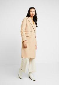 Topshop - CISSIE - Zimní kabát - camel - 0