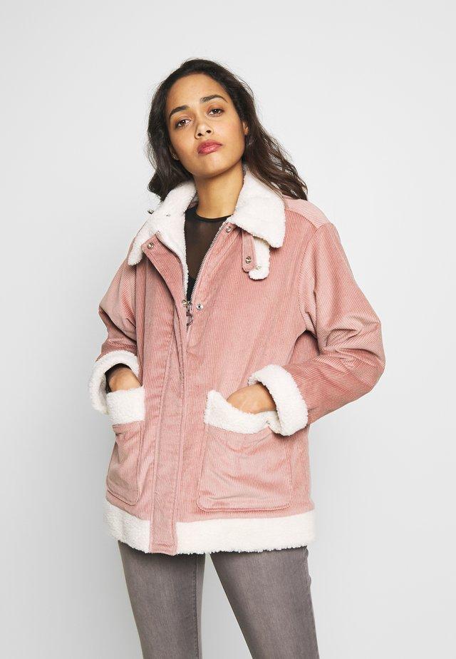KANGAROO - Lehká bunda - pink