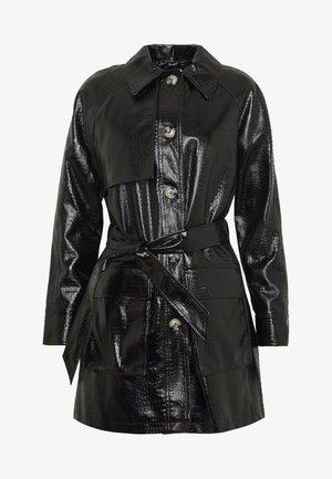 CHARLIE CROC SHACKET - Krótki płaszcz - black
