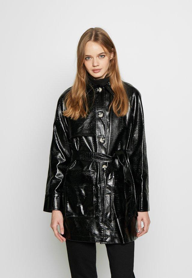 CHARLIE CROC SHACKET - Short coat - black
