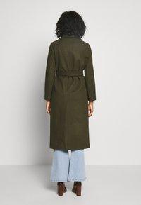 Topshop - BUNTY BELTED  - Classic coat - khaki - 2