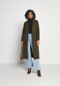 Topshop - BUNTY BELTED  - Classic coat - khaki - 1
