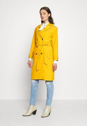 SOPHIA - Trench - mustard