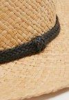 Topshop - FLAT TOP HAT - Hatt - nude