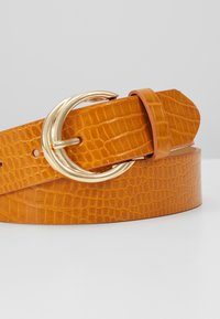 Topshop - TWISTED BUCKLE - Cintura - mustard - 2