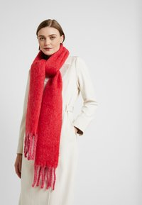 Topshop - TONE HEAVY SCARF - Scarf - red - 0