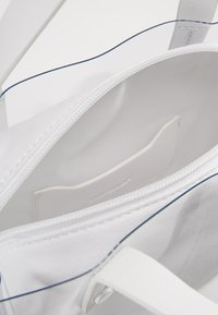Topshop - PENNY - Sac à main - white - 4