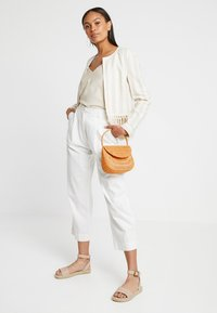 Topshop - SPLIT WICKER MINI - Handtas - natural - 1