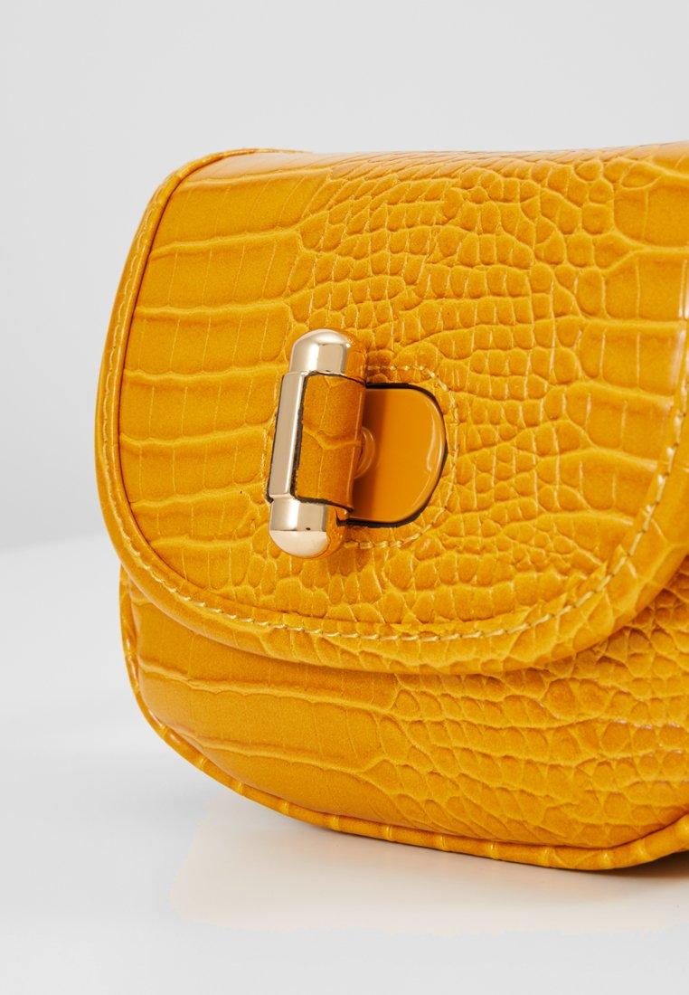 Topshop Delilah Belt Bag - Sac Banane Yellow